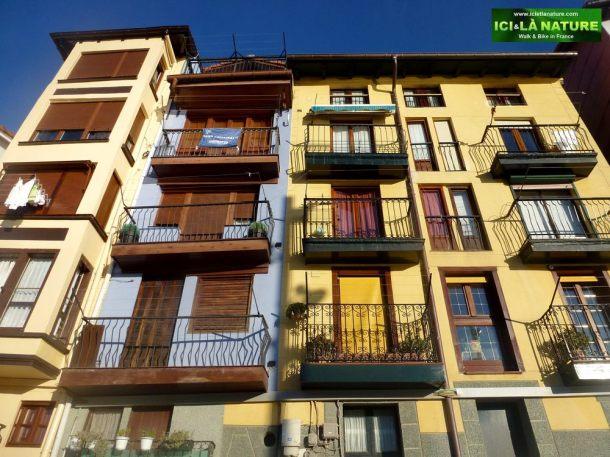 00-travel-architecture-spain-colors