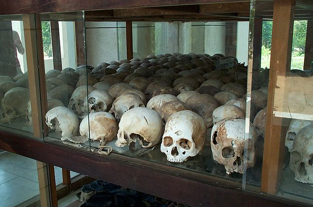 640px-Skulls_from_the_killing_fields